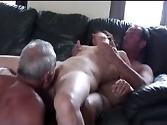 Cuckold trio in act