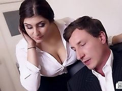BUMS BUERO - Busty German secretary tears up boss at the office
