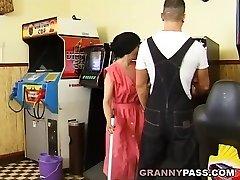 Muscle Guy Fucks Ugly Grandma
