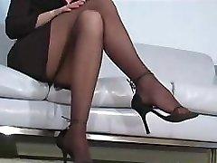 Office slut Faith Leon in stockings
