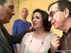 422 Naples: Romina en double invasion