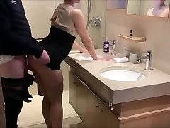 Big butt cheating wife on real homemade