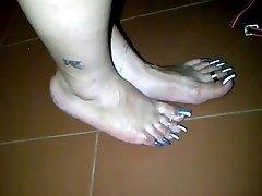Long toenail fj 2