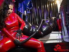 extraordinary rubber bondage by Mistress Kim