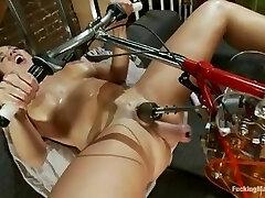 Smashing Machines  - Kelly Divine