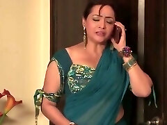 Indian Bhabhi Romance And Fucks His bro in Law