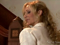 Julia Ann & Xander - My sexy mother's greatest fr