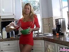 Heather Vandeven - Kitchen Party - Twistys