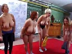 गोल-मटोल जिम में नंगा नाच