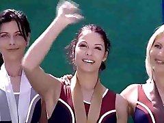तैरना टीम नंगा नाच