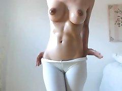हॉट बेब की बड़े स्तन, बालों वाली cameltoe बिल्ली