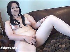 Voyeur masturbating amateur babe Jennys public flashing