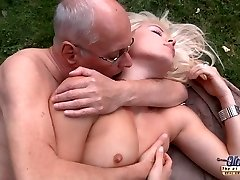 Lucky old decrepit is dogging his kinky hot rich young bitch