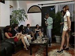 Vicca, रेजिना Sippos और कैथी कश्मीरियों नंगा नाच