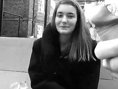 ब्रिटेन की लड़कियों को घूर और छू चमकती डिक्स!