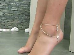 main course ass side dish feet