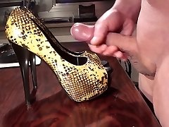 Pop-shot on GF Highheels part 025