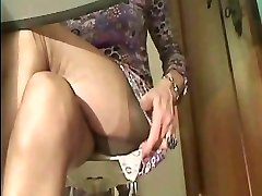 Super sexy Stockings legs in cam 1!!!