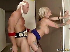 Juggy harlot in torn pantyhose gets her anus porked and gobbled from behind