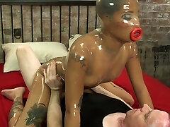 Kinky dude penetrates sex-hungry Latex bitch Jessica Creepshow