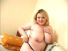 बीबीडब्ल्यू सुनहरे बालों वाली, पूर्व प्रेमिका के साथ उसे स्तन और बिल्ली