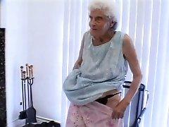 सुपर दादी