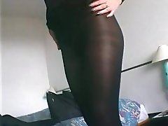 Very hot in her pantyhose - Telsev
