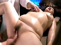 Chunky lady is made to enjoy intense orgasms with fingers a