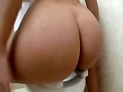 Gorgeous Blond Pulverized On The Toilet
