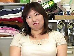 japanese plus-size mature masterbation watching