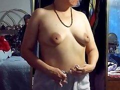 Phat nippled wifey dressing