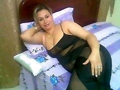 Arab Home Sex - Big Butt Round Ass - Chubby Bbw Mature Arse