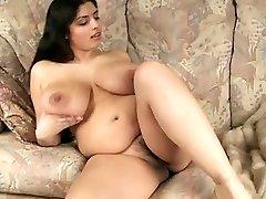 Gorgeous Big Breast BBW Cougar