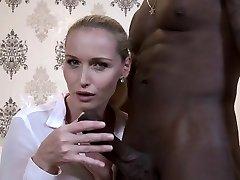 Hot-woman-cuckold-and-pop-shot