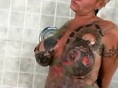 Famous Nudes a poppin Tattoo Dame Gets horny