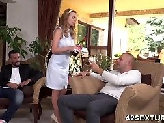 Slutty wifey Emily Thorne double boinked