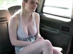 Fresh cab driver bangs his sexy customer