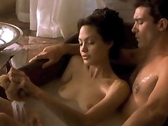 Angelina Jolie & Michelle Williams Stripped!