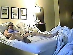 Hidden sex cam filmed a horny minx jilling off
