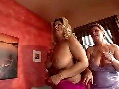 Busty Cougar-Orgie