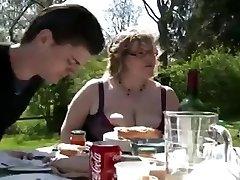 PLUMPER BBQ DOUBLE PENETRATION Facial outdoor