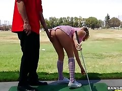 Teen Karla Kush nails with golf instructor