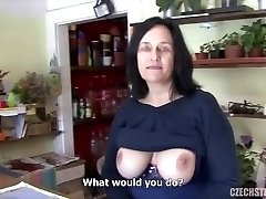 Big titty mature penetrated in flower shop
