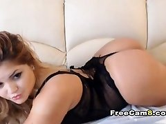 Plump Girl Nice Shave Pussy Fingering