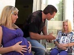 Hot Blonde Teenager Callie Und Elaina Bekommen Schwangere