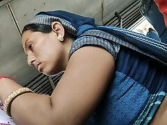 Desi Rajasthani Bhabhi super-steamy stomach in Bus