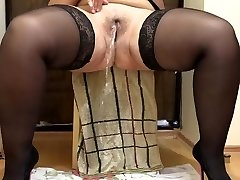 Russian BBW Peeing