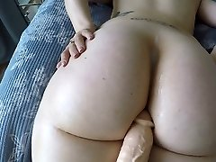 Good-sized booty white woman