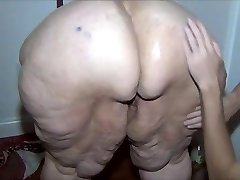Ginger-haired SSBBW oiled and washed