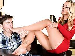 Alexis Monroe & Alex D in Her Featured Body - 21Sextury